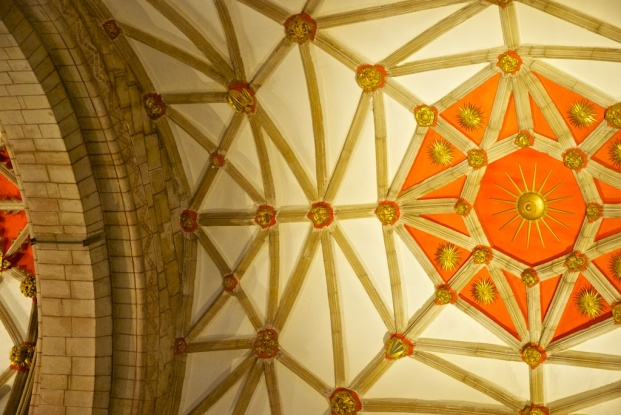 The Yorkist Sun, set in the ceiling of the Abbey to forever remind all who won the battle.