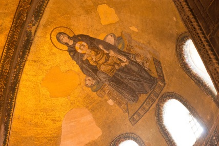 Virgin and Child on the ceiling; a view to Heaven.